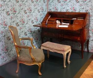 antik bútor